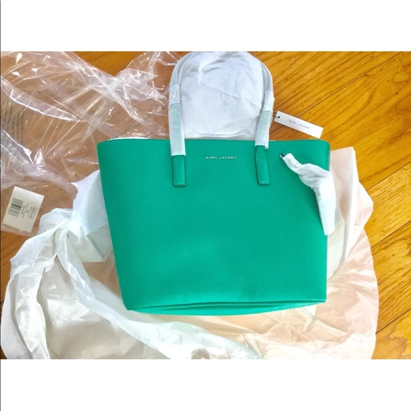 413c165d52f6 New Marc Jacobs Luggage Tag Tote Bag green